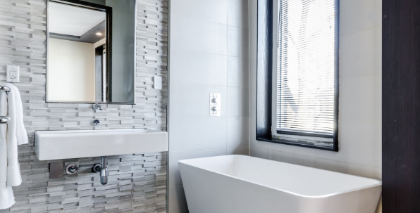 Bathroom cleaning in South Portland, Maine